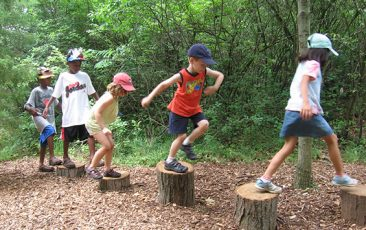 KidZone: Leslie Science and Nature Center<br>All Walks of Life: Live Animal Exploration with Leslie Science & Nature Center